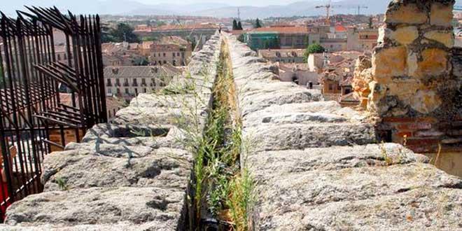 Acueducto de Segovia, Canal de agua