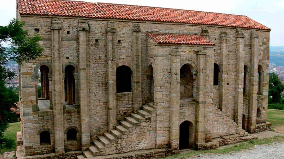 Palacio de Ramiro en Santa María del Naranco